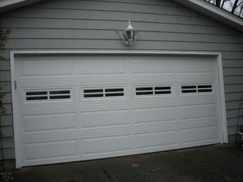 Garage door installations cleveland area doors unlimited for Ranch house garage doors