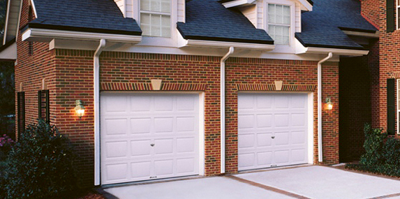 Picture Of House With Garage Door Model 8000 8200 Made By Wayne Dalton